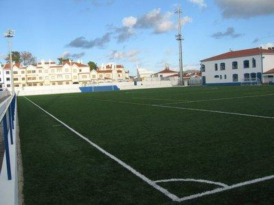 http://www.zerozero.pt/img/estadios/748/64748_med_campo_foz_do_mira.jpg