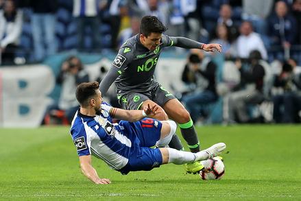"""Liga dos Campeões: FC Porto x Sporting """"title ="""" Liga NOS: FC Porto x Sporting """"/> </div> </div> </div> </pre> <script async src="""