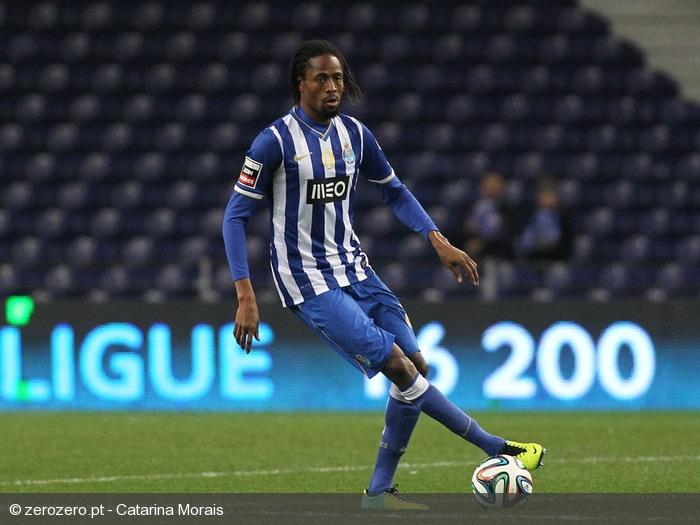 8205b9b809 Abdoulaye voltou a ser titular na defesa do FC Porto ©Catarina Morais