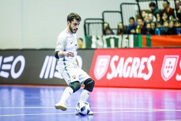 Goleada de Portugal rumo às meias-finais — Euro Futsal