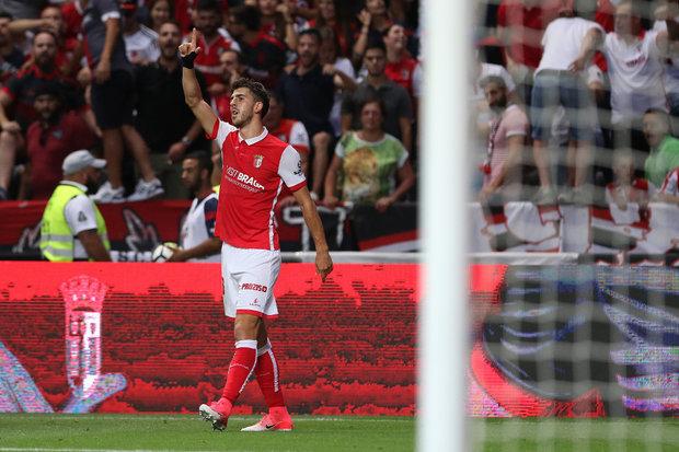 SC Braga quer Paulinho com cláusula de 20 milhões