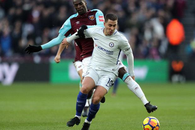 Hazard emperra prorrogação de contrato com Chelsea de olho no Real