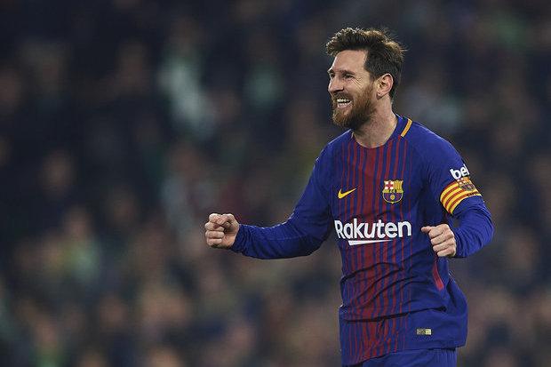 Messi diz que saída de Neymar deu mais equilíbrio ao Barcelona