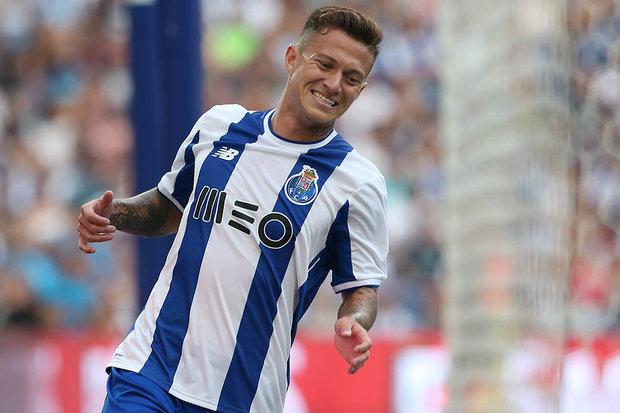 Dois condicionados e uma baixa no treino do FC Porto