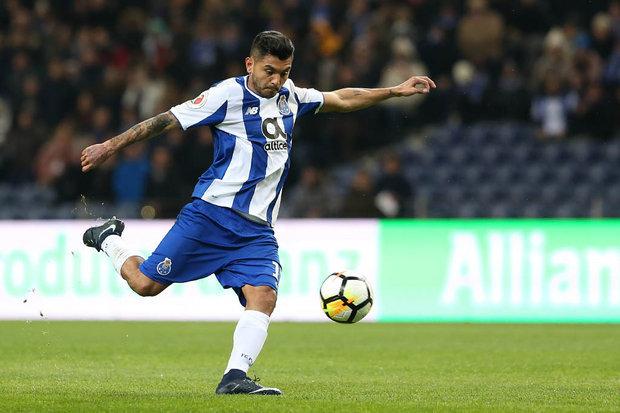 Corona apto para o Clássico — FC Porto