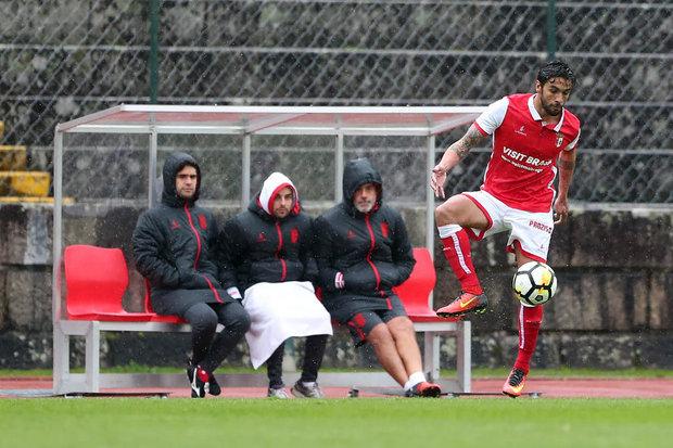 ... terminou a ligação com a equipa secundária do SC Braga e está livre  para assinar por outro clube 0c33066481405