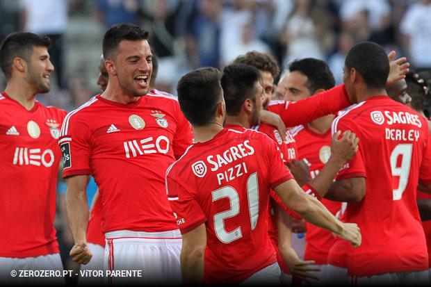 bd600a880b Rui Vitória tinha avisado  os do topo não tinham conseguido passar em  Guimarães. Também o Benfica não conseguiu essa missão