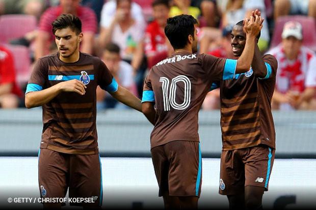 Vitória tão tranquila quanto justa do FC Porto sobre o Stoke City ee20ce51aaf39