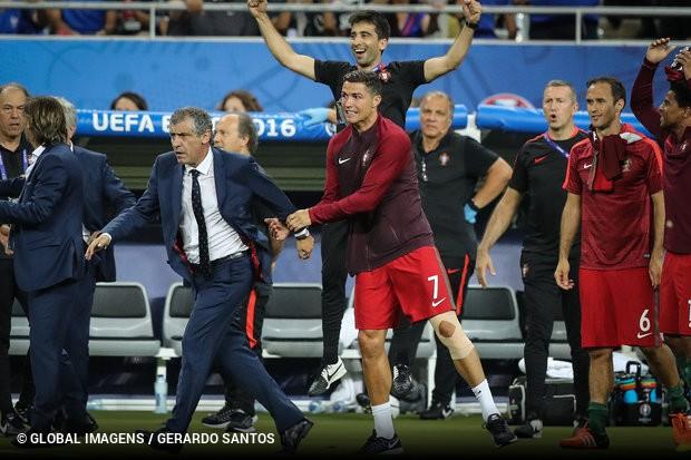 95bd40732e416 António Simões arrasa Cristiano Ronaldo  «Não é a matriz de ...