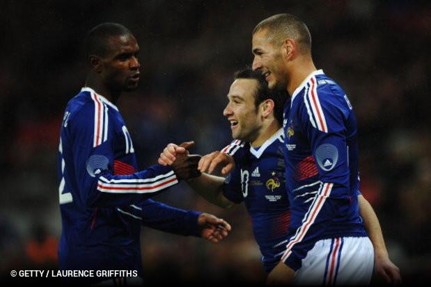 O avançado francês Karim Benzema voltou a ficar de fora da convocatória da  seleção francesa. O jogador do Real Madrid não faz parte do grupo que  Deschamps ... 82dca571a0fa0