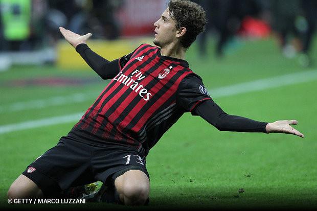 Terminou esta quinta-feira o processo que visou a transferência de poderes  no AC Milan. O gigante italiano é a partir de agora oficialmente detido por  ... 52f0fb8b8af72
