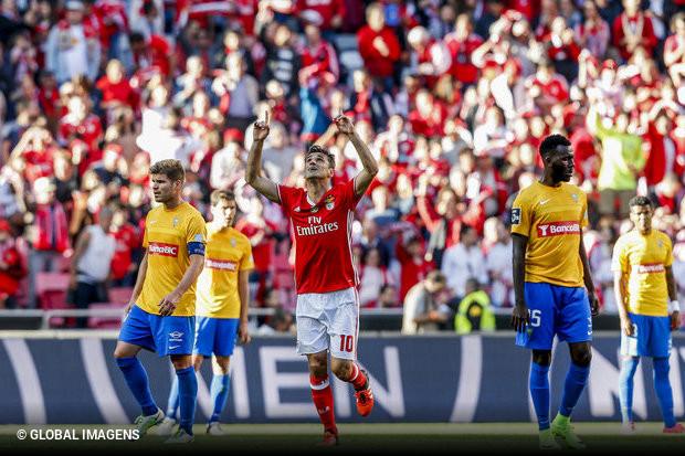 Rui Vitória pode respirar de alívio. O Benfica venceu mais uma final em  busca da conquista do inédito tetra a50ab21cebfe1