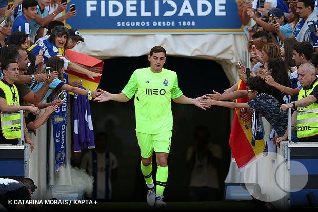 Iker Casillas não ignora um possível regresso à seleção espanhola. Em  entrevista ao Esporte Interativo 6caf91e6a9d38