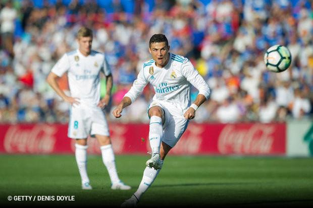 Cristiano Ronaldo continua a cimentar o seu legado como o maior goleador de  sempre do Real Madrid. O avançado português já é o melhor marcador da  história ... 719da87a89214