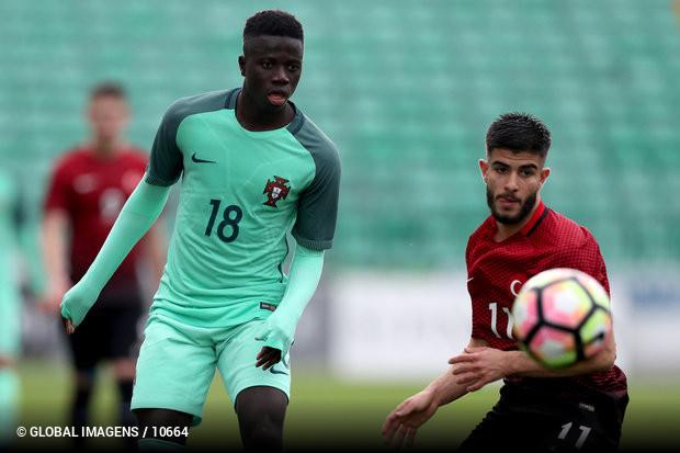 A seleção nacional de sub-19 derrotou esta quarta-feira a Turquia ece21da404cee