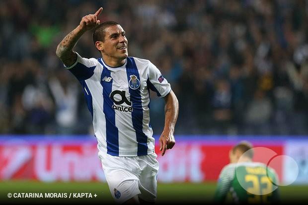 Maxi Pereira  «É normal que numa equipa grande como o FC Porto não ... 91b2dff809119