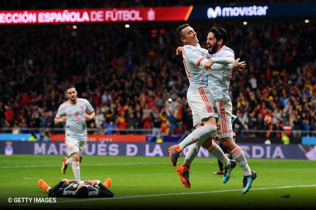Ir a Espanha e receber lição de futebol f55930fb24f99