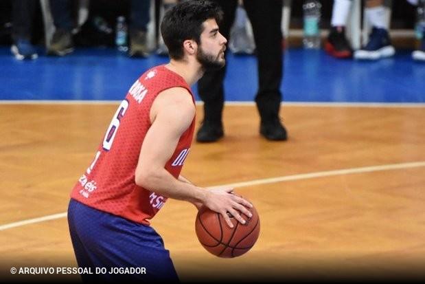 824cd8062e A UD Oliveirense tem sido a grande surpresa do basquetebol nacional esta  temporada. Com a vitória no Grupo A e a passagem às meias-finais da Liga  Placard ...