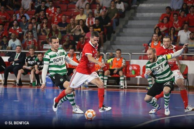 27f6b354fc Árbitro do Sporting x Benfica agredido com um pau    zerozero.pt