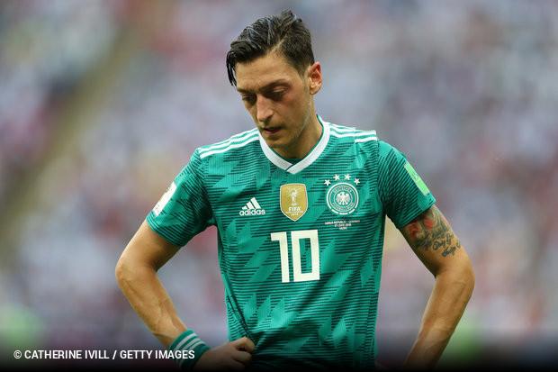 Mesut Özil renuncia à seleção alemã devido a «racismo e desrespeito ... 1c1d3df60c816
