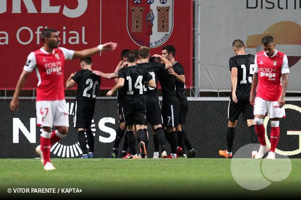 O mês de agosto não tem sido  querido  para as equipas portuguesas. Após a  eliminação do Rio Ave frente ao Jagiellonia Bialystok 27fd65fcb3697