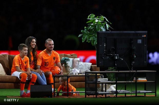 Holanda vence Perú e despede-se do capitão Wesley Sneijder ... b1d78ec49e818