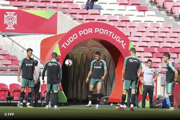 Aproveitando o regresso da seleção nacional aos jogos no Estádio da Luz 1acc0a4b69d60