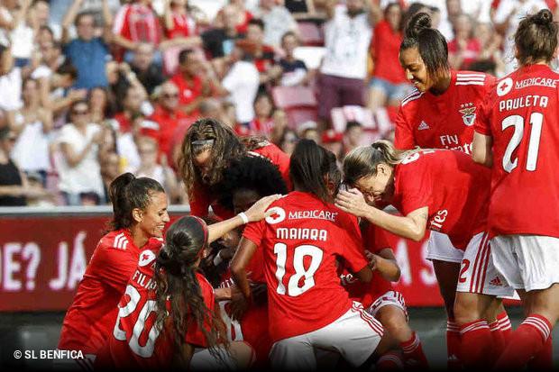 edb2f2a134 Será esta a melhor palavra para definir a estreia do Benfica na segunda  divisão do futebol feminino. As águias  dizimaram  o Ponte Frielas por uns  ...