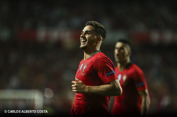 Portugal reforçou esta quinta-feira a liderança do grupo 3 da Liga das  Nações 95749a06a2543