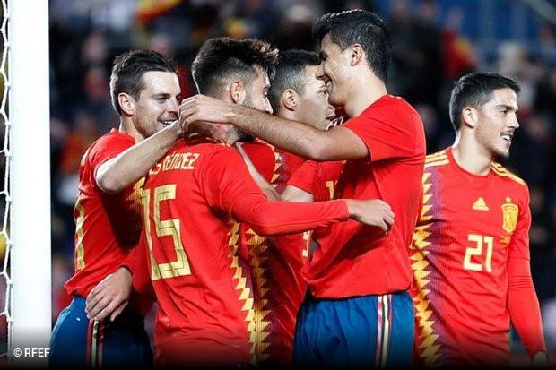 Se o resultado do encontro entre Inglaterra e Croácia tivesse sido  favorável aos espanhóis (se tivesse havido empate) o duelo amigável de  Espanha frente à ... 2c23a1cf4330a