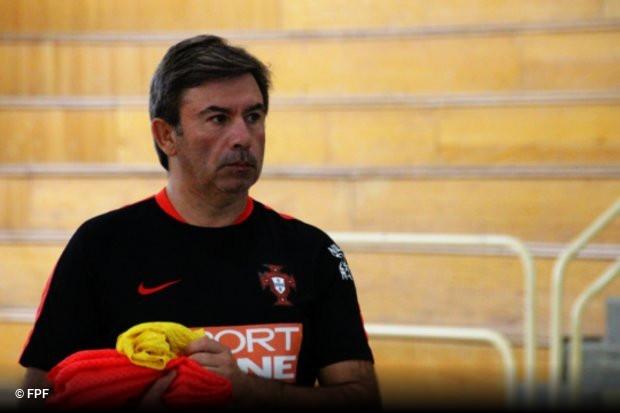 A Federação Portuguesa de Futebol anunciou esta quinta-feira os 14  convocados da seleção nacional sub-19 para os encontros de preparação  contra a Inglaterra ... 7db259730b0f5