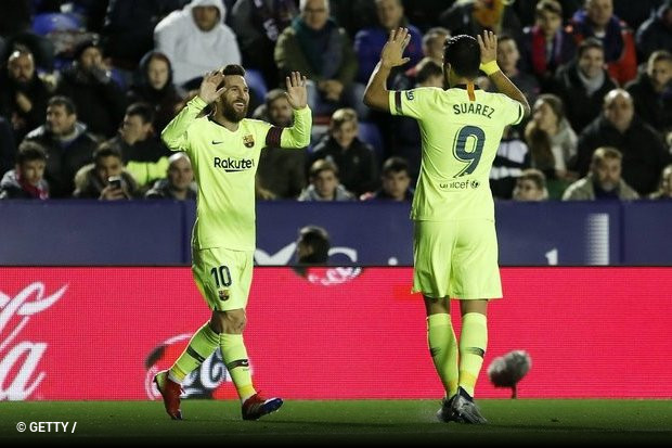 Com Lionel Messi a um nível extraordinário (três golos e duas  assistências) de9f13e97a277