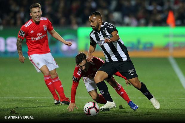 Os encarnados somaram a terceira derrota para o Campeonato na visita ao  Portimonense (2x0) 5aaadd86b6743