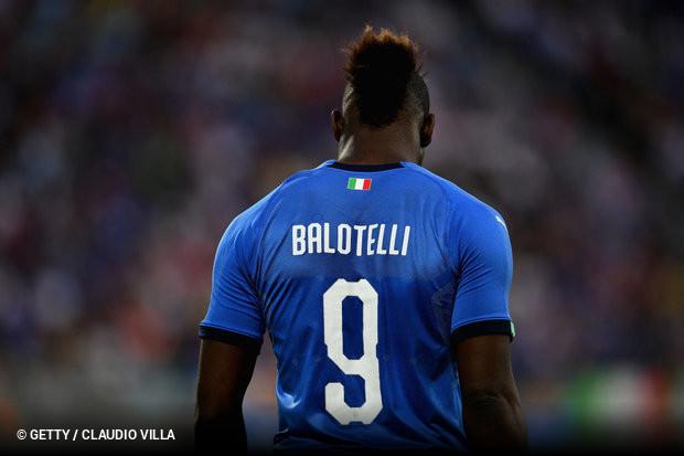 1bda829000cf6 Através dos seus canais oficiais, o Marselha oficializou, esta  quarta-feira, de forma original, a contratação do avançado Mario Balotelli.