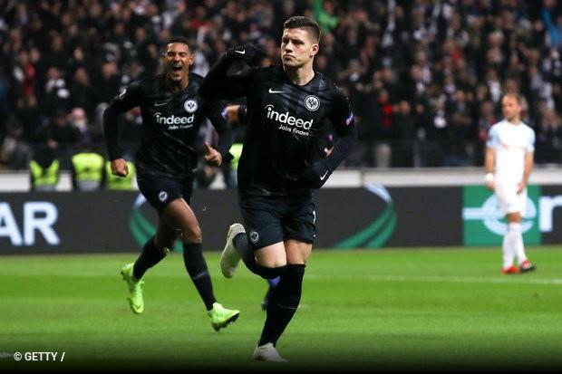 da217a9f8d O interesse do Barcelona em Luka Jovic continua a fazer eco na imprensa  internacional. Depois de ontem a imprensa alemã ter dado como fechado o  acordo entre ...
