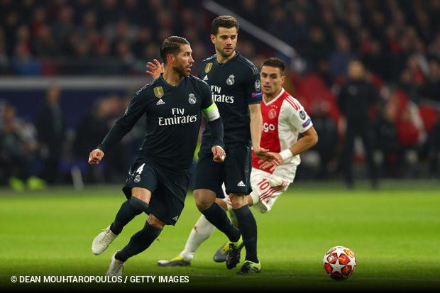 A UEFA anunciou esta quinta-feira ter aberto uma investigação referente ao  cartão amarelo mostrado a Sergio Ramos no encontro da Liga dos Campeões  entre ... a334a4807932f